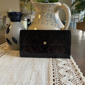 Louis Vuitton Vernis Sarah Amarante Long Wallet
